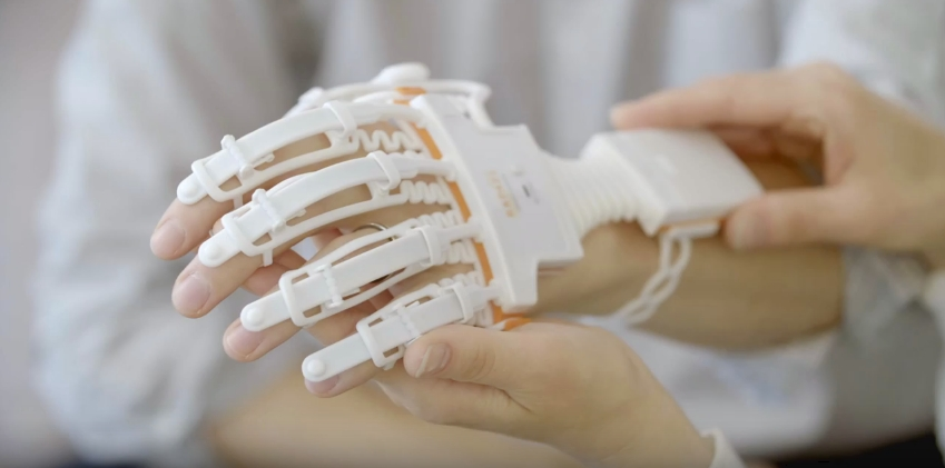 neofect-smart-glove-stroke-rehab