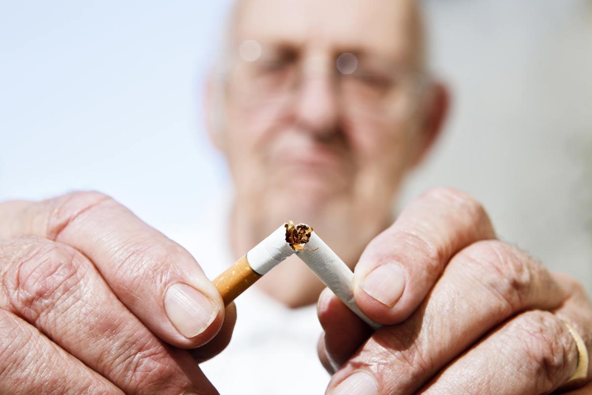 old-man-breaking-cig